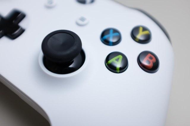 Xbox One S-1