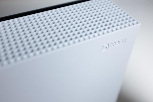 Xbox One S-5