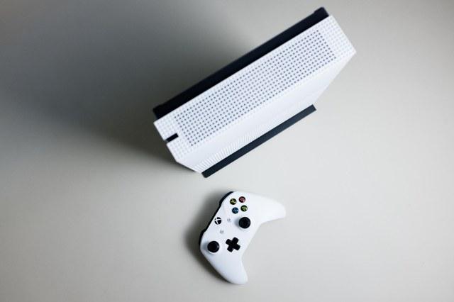 Xbox One S-6